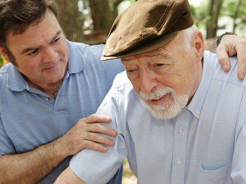 Как научиться понимать и уважать больного деменцией